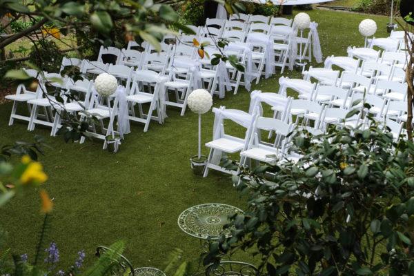 Weddings under the deluxe pergola