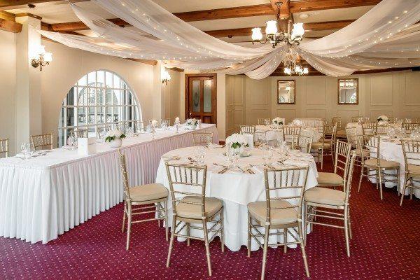 Bridal table elegance